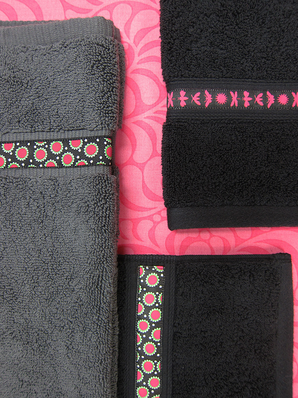 Sassaman Black:Pink Ribbons